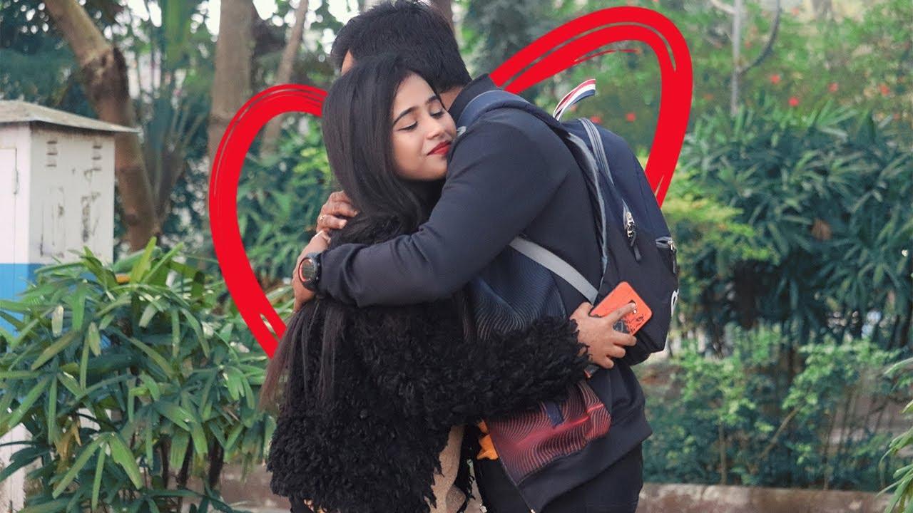 Kya Mai Apko Hug Kar Sakta Hu || Prank By Avijit || Funday Pranks
