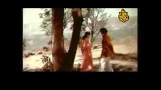 Download Hindi Video Songs - Naguva ninna Mogadha Chenna
