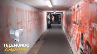 El túnel de un estadio que parece más el de una cárcel | Más Fútbol | Telemundo Deportes