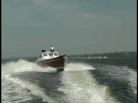Fast Powerboat fuel efficiency