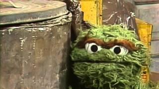 Classic Sesame Street - Oscar Hears a Scary Noise