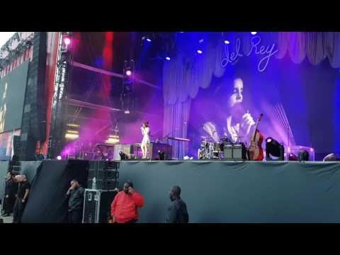 Love - Lana Del Rey | Live at Lollapalooza Paris