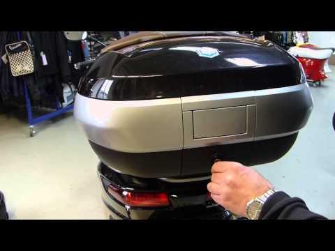 Piaggio MP3 Topcase 50 Liter Koffer 300 LT / 500 LT MY 14 Deutsch Test - Piaggio-Vespa.de
