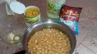 Быстрый и вкусный салат из кукурузы и сухариков