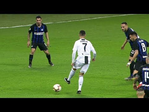 Cristiano Ronaldo Toying With Defenders