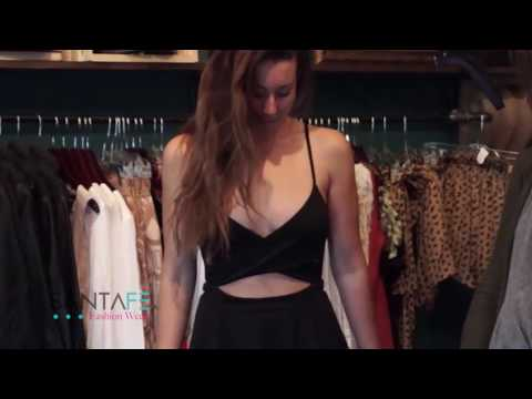 Womans Fashion Trends Tips / Womans Fashion Style/ Womans Fashon Advice/ Fashion Buyer Fashion looks