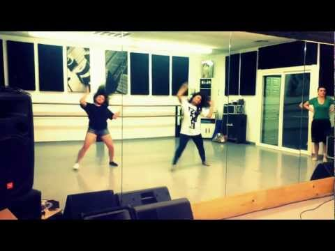 Chris Brown- Beg For It  (Dance)