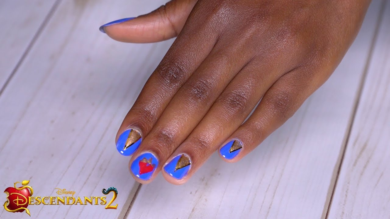 Evie Nails Tutorial 💅 | DIY | Descendants 2 - YouTube