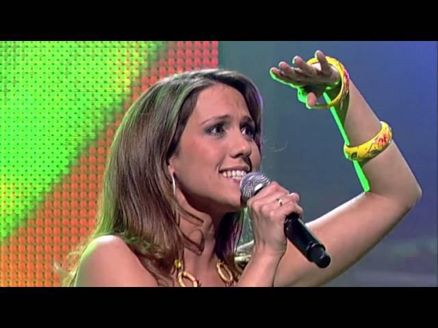 Floortje singing