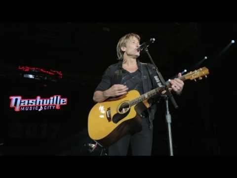 Keith Urban's 2016 Artists Tribute - New Year's...