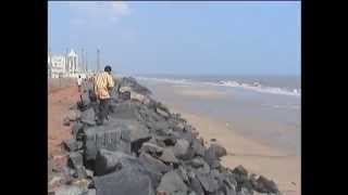 TSUNAMI HITS PONDICHERRY ON 26TH DEC 2004