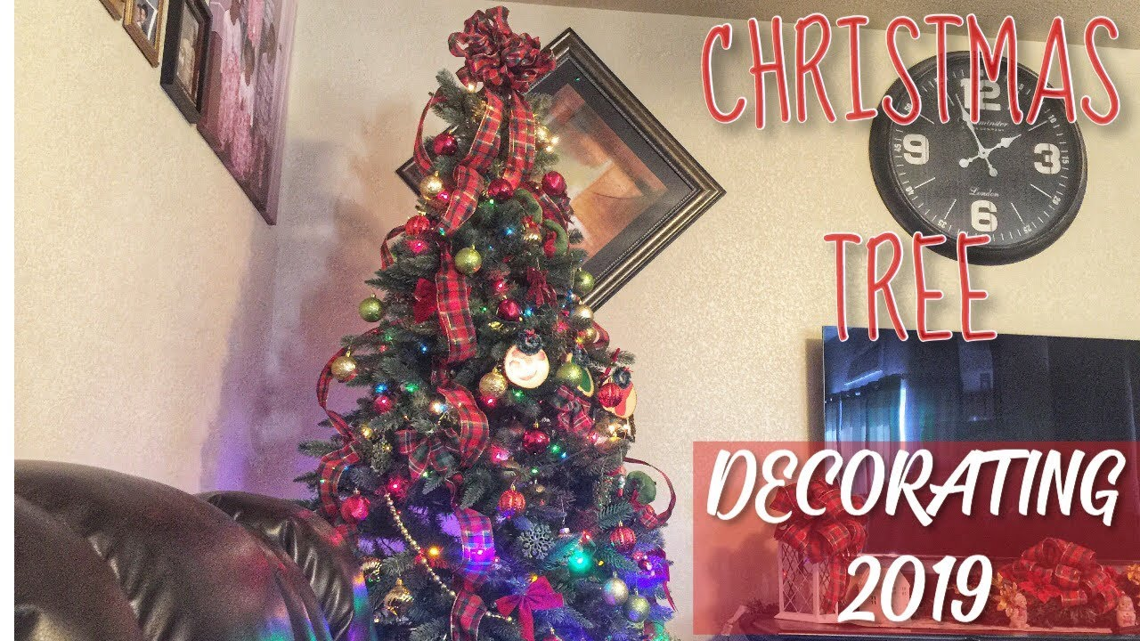 CHRISTMAS TREE DECORATION 2019 TRADITIONAL CHRISTMAS TREE DECOR 🎄 HOW TO DECORATE A CHRISTMAS TREE
