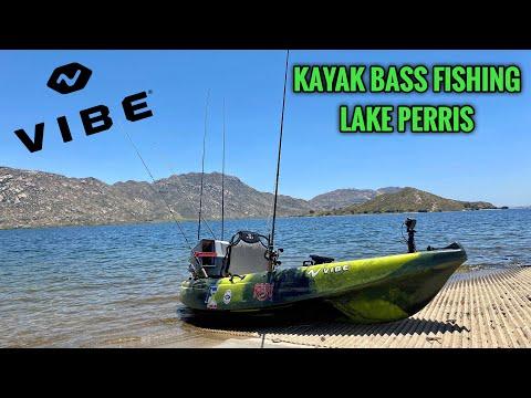 Searching For Deep Largemouth Bass Kayak Fishing Lake Perris!