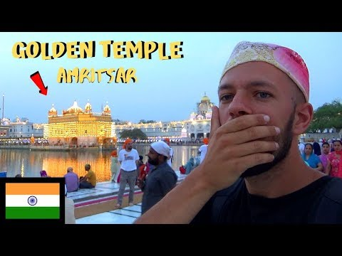FOREIGNER VISITS THE GOLDEN TEMPLE AT NIGHT - AMRITSAR