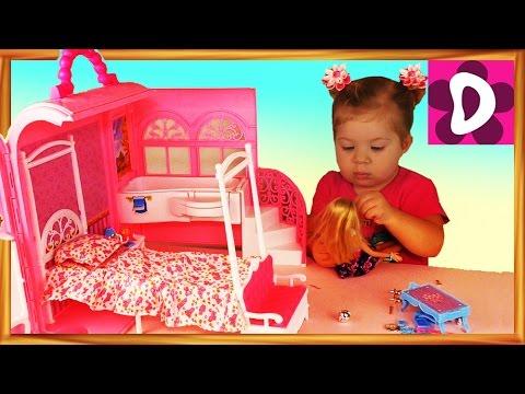 Смотреть онлайн  Барби СПАЛЬНЯ с ВАННОЙ Домик-Чемоданчик MEGA BLOKS Barbie Doll HOUSE