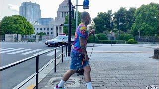 国会議事堂前からSHOヤクブーツはやめろが安倍総理にメッセージを放つ。パトカー出動するも顔パスする男