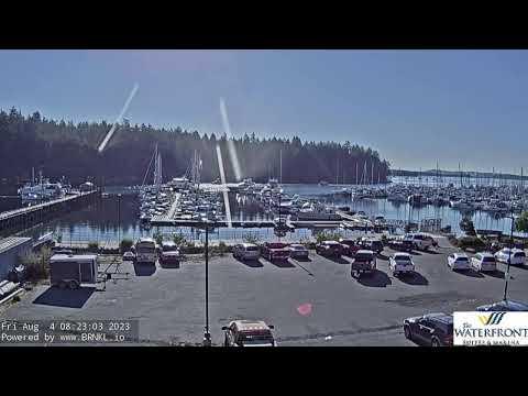 Nanaimo Waterfront Suites & Marina