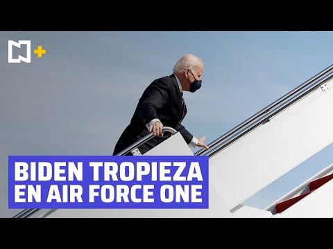 Tropieza Joe Biden en escaleras del Air Force One