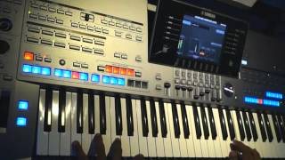 Tyros 5 - The Magic Of The Night (Instrumental) Christmas Song - Enya