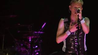 Depeche Mode One Caress ( Tour of the Universe Live in Barcelona 2010 )