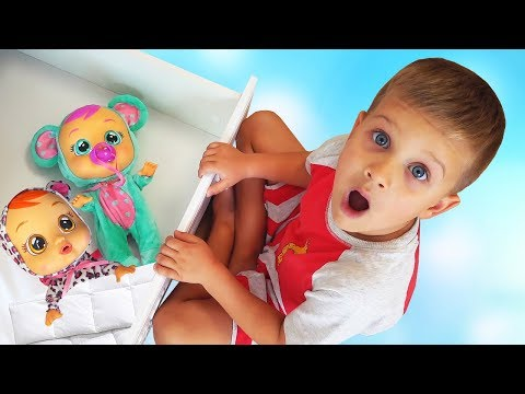Roma has funny Dreams Pretend Play video for kids