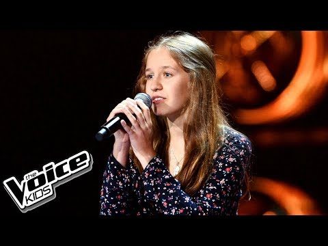 "Karolina Fryt – ""Love Is All Around"" – Przesłuchania w ciemno – The Voice Kids Poland"