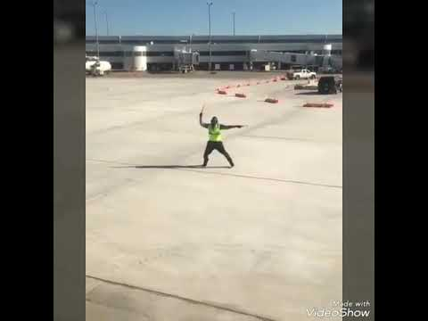 LeafyIsHere intro-but a Airport worker Dances to it