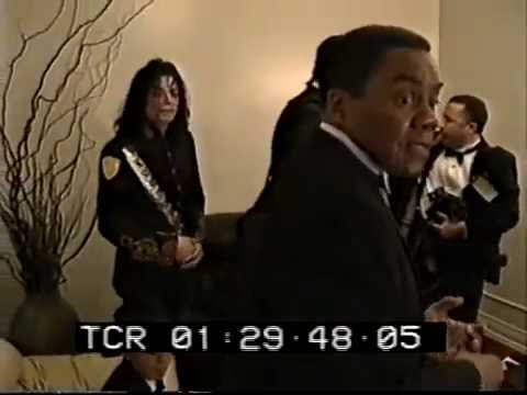 Michael Jackson -  NAACP awards Backstage 1993  MJDHF exclusive