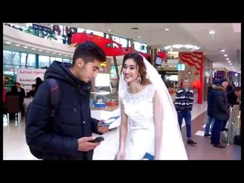 В честь дня влюбленных невесты в Шымкенте предлагали руку и сердце