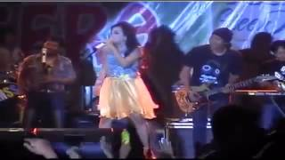 Video Om sera Cinta Di Pantai Bali Dangdut Koplo Wiwik sagita download MP3, 3GP, MP4, WEBM, AVI, FLV Desember 2017
