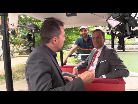 ÖVP-Spitzenkandidat Manfred Juraczka im TV-Radl der Wiener Zeitung.