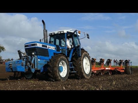 Ford 8830 Powershift Ploughing w/ 6-Furrow Kuhn Manager Plough at Ford Days 2017   DK Agriculture