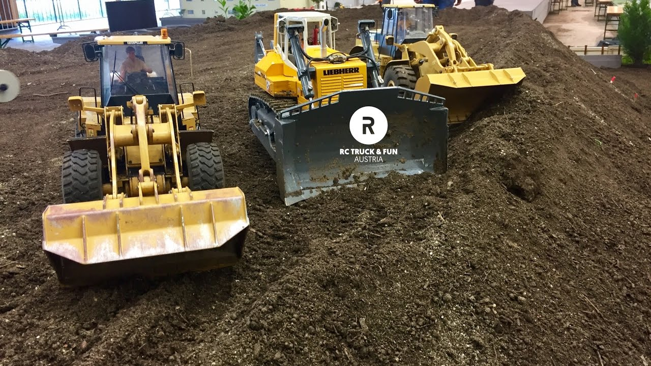 Download Construction Special !! RC Trucks, Excavator & Wheel loader Action! Wels 2017