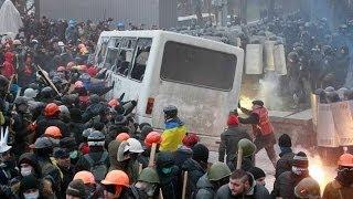 Украина Майдан Столкновения -  Спецназ оттесняет экстремистов с Майдана 19.02.2014(, 2014-02-21T09:43:57.000Z)
