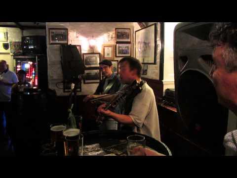 Live music in bar Scotsman Lounce in Edinburgh