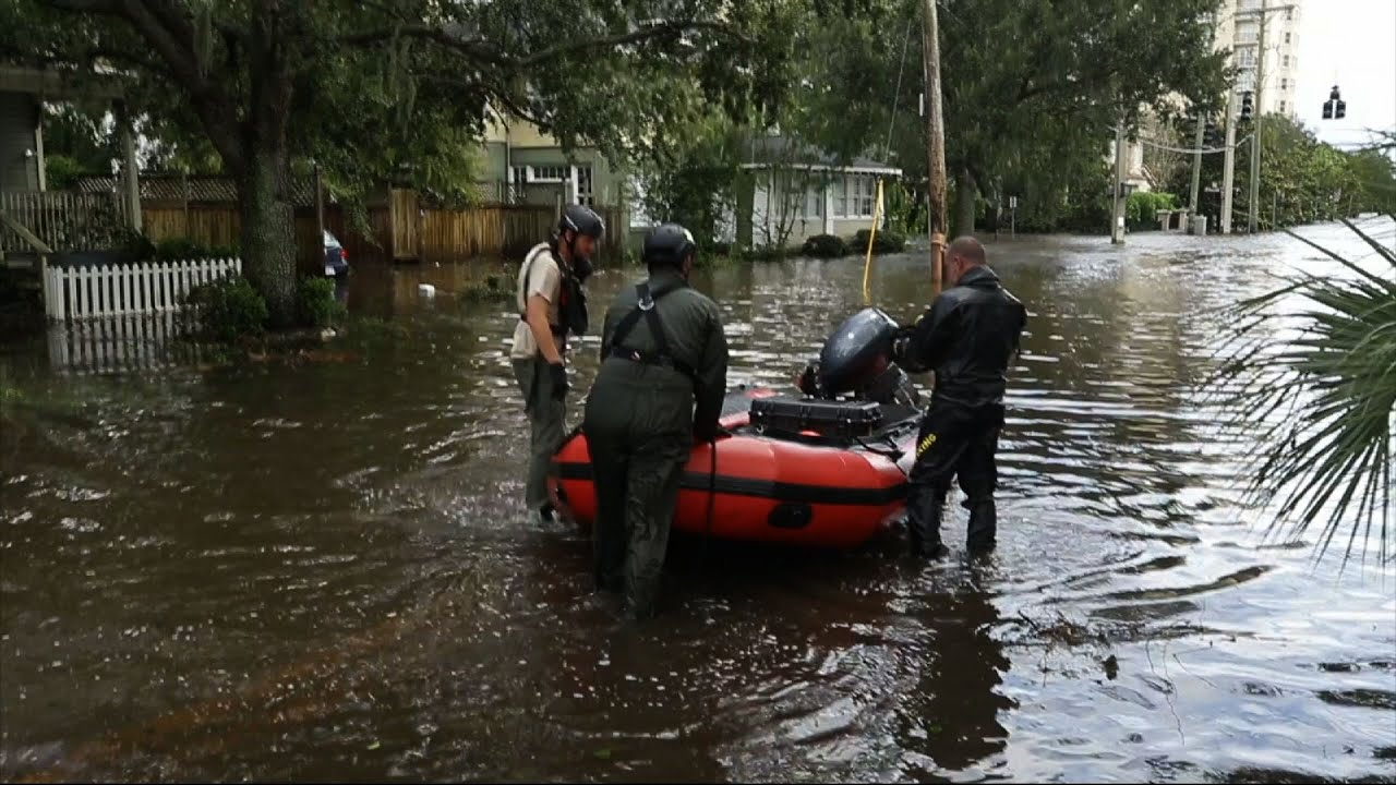 Rescue Crews Battle Record Jacksonville Flooding - YouTube