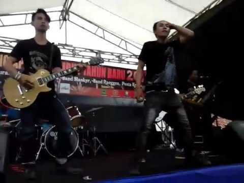 FUNKY JUNKIE NAGIH cover SLANK Live in Majalengka