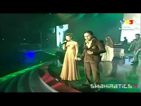 Adira & Hafiz - Ombak Rindu @ ABPBH 2011