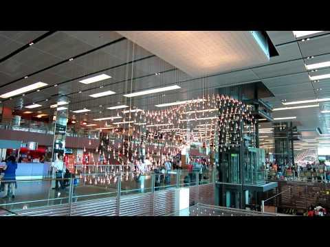 Kinetic Rain (Kunstwerk im Flughafen Singapur)
