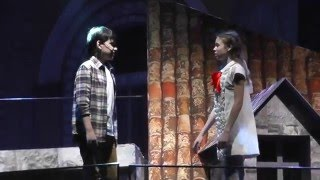 Александр Савинов и Мария Паротикова - Котёнок на крыше, Над городом