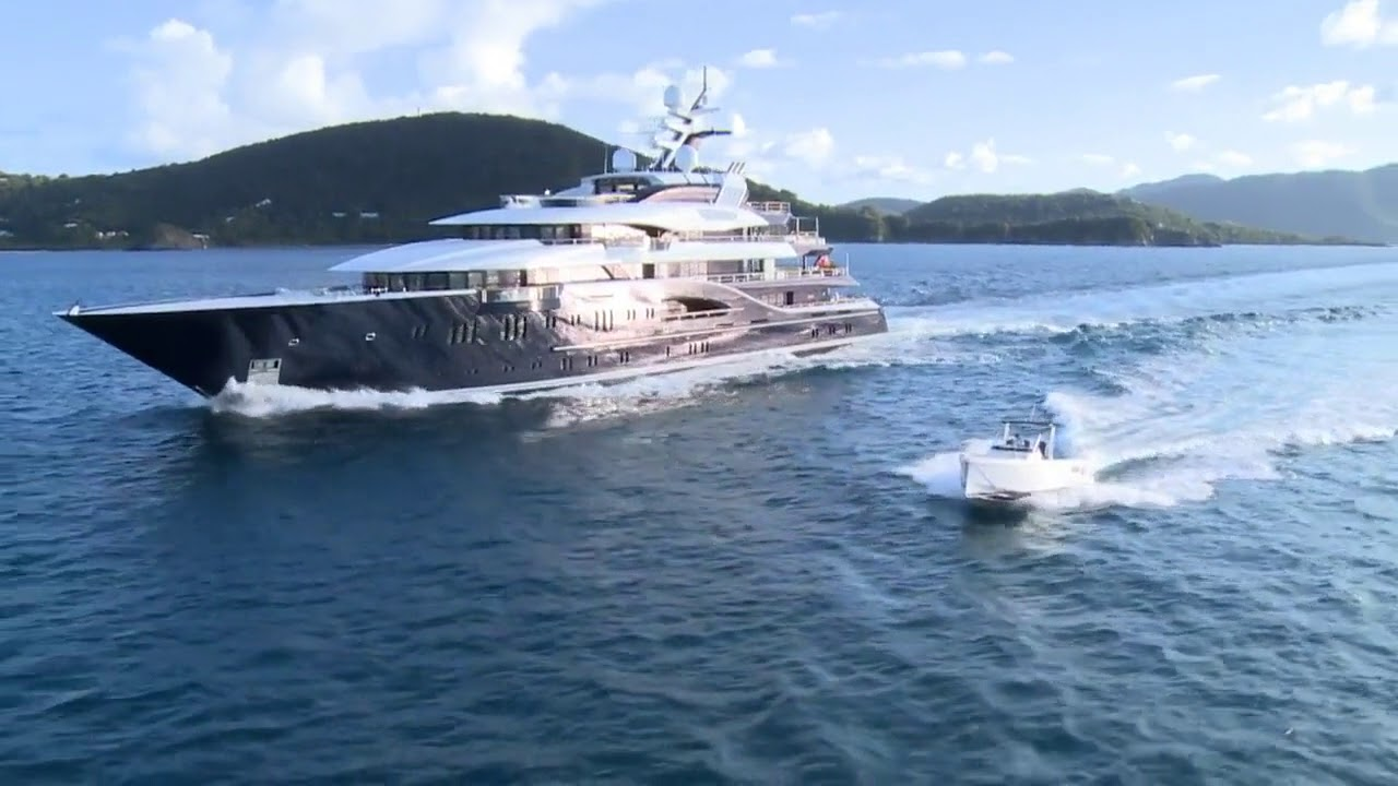 Luxury Motor Yacht Solandge For Charter