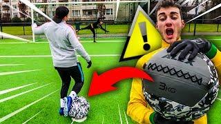 HEFTIGE FUßBRUCH FUßBALL CHALLENGE MIT MEDIZINBALL !!