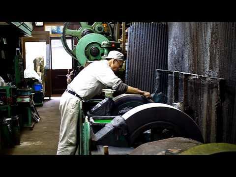 Ashi Hamono- Sharpening knives on a large water-stone