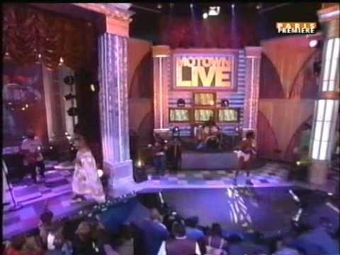 George Clinton - Atomic Dog (Live) 2003 feat. Flipmode Squad (Busta Rhymes, Rah Digga)