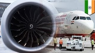 Сотрудника аэропорта засосало в турбину самолёта