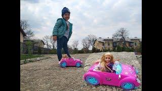 Розпакування машинки і ляльки на каналі ЮЛІАНА ТБ