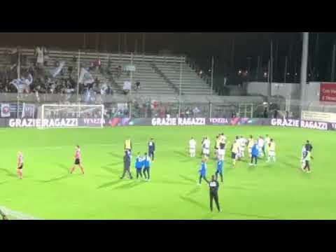 Venezia Pescara 0 0 La Squadra Sotto La Curva A Fine