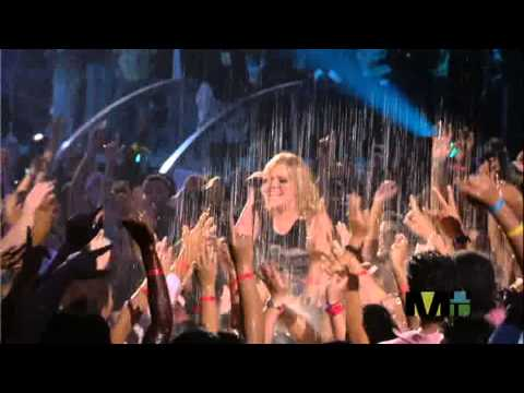 Kelly Clarkson  Since U Been Gone 2005-08-28) MTV VMA's
