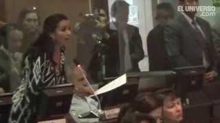 Enfrentamiento entre asambleístas por Ley de Galápagos