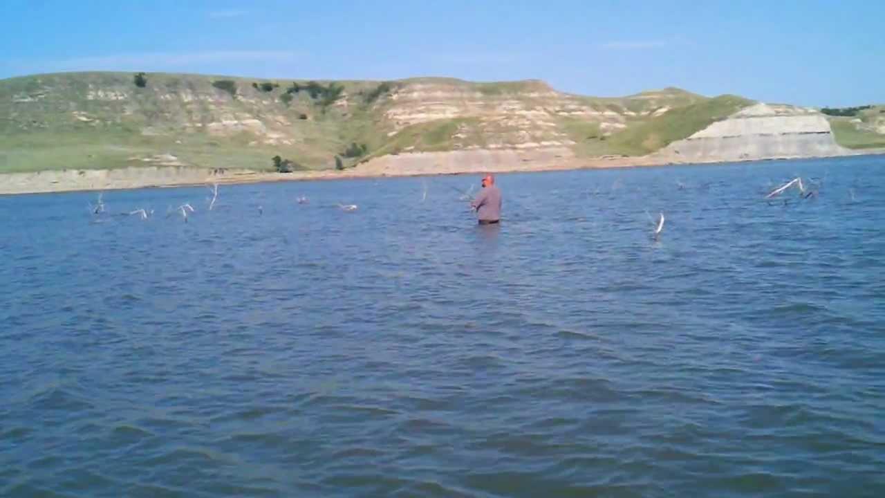 Lake sakakawea north dakota youtube for Lake sakakawea fishing report